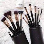 Niré Beauty Next Level Kabuki: Kabuki pinceaux maquillage professionnel DE QUALITÉ SUPÉRIEURE| GRATIS: Niré Beauty Boîte étui tube & Brosse Nettoyante en silicone de la marque Niré image 1 produit